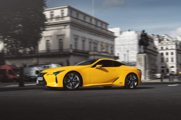 Top Gear testuje Lexusa LC